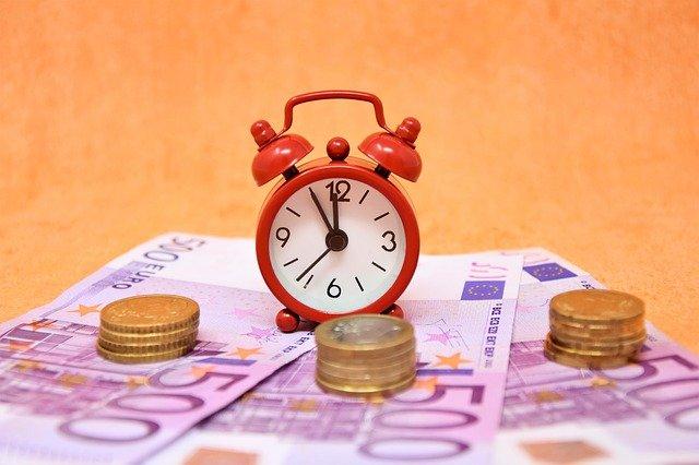 souboj peněz a času
