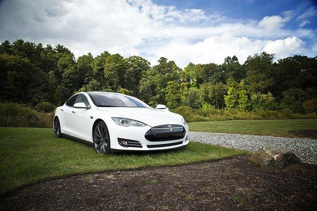 Budoucnost elektro automobilů. Tesla model 3, stojí za to!